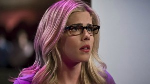 TV-Recap-Arrow-4x14-Felicity-Looks-Good-in-A-Chair-470