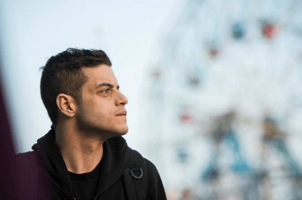 rami-malek-in-mr-robot