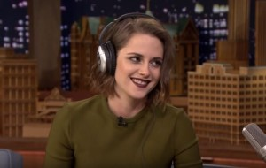 kristen-stewart-plays-the-whisper-challenge-on-tonight-show-with-jimmy-fallon