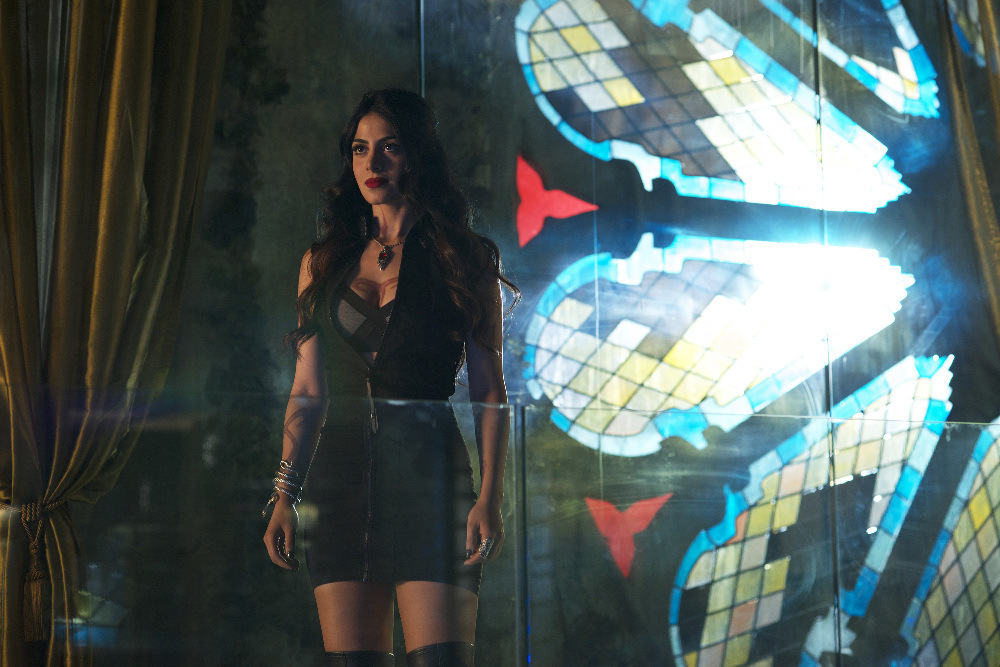 """SHADOWHUNTERS - """"Of Men and Angels"""" - Magnus and Luke reveal Clary's past in """"Of Men and Angels,"""" an all-new episode of """"Shadowhunters,"""" airing Tuesday, February 16th at 9:00 – 10:00 p.m., EST/PST on Freeform, the new name for ABC Family. (Freeform/Sven Frenzel) EMERAUDE TOUBIA"""