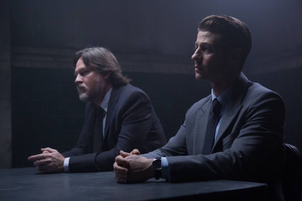GOTHAM: L-R: Donal Logue and Ben McKenzie in the ÒÒRise of the Villains: Mr. FreezeÓ winter premiere episode of of GOTHAM airing Monday, Feb. 29 (8:00-9:01 PM ET/PT) on FOX. ©2016 Fox Broadcasting Co. Cr: Jessica Miglio/ FOX