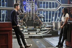 """The Flash -- """"Rupture"""" -- Image: FLA220b_0065b.jpg -- Pictured (L-R): Grant Gustin as Barry Allen and Candice Patton as Iris West -- Photo: Bettina Strauss/The CW -- © 2016 The CW Network, LLC. All rights reserved."""